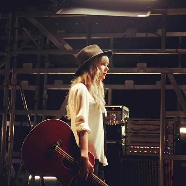 Taylor-Swift-Instagram_MTV_w21mercurion