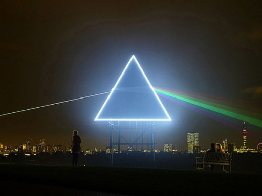the dark side of the moon_w21mercurion