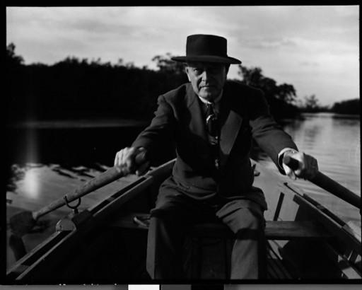 Karol Bickel no barco a remo